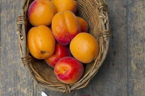 metabolism-booster-apricots-580x383